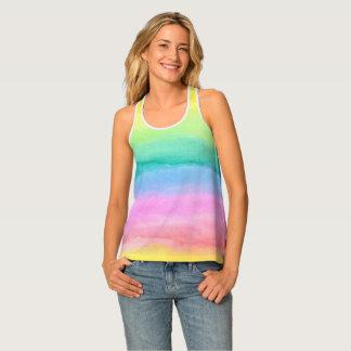 Modelos y texturas pintados a mano de la acuarela camiseta de tirantes