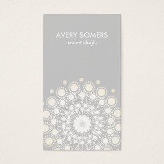Moderno gris del adorno adornado de la flor del tarjeta de negocios