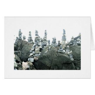Mojones (pequeñas esculturas de piedra) tarjeta