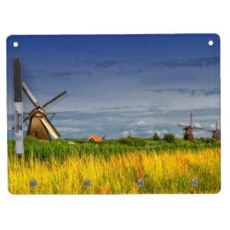 Molinoes de viento en Kinderdijk, Holanda, Países Pizarras Blancas