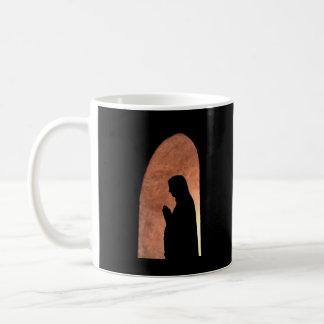 monja de la sombra a-5 taza de café