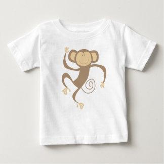 Monkeying alrededor la camiseta de los niños