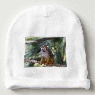 Mono de ardilla inquisitivo gorrito para bebe