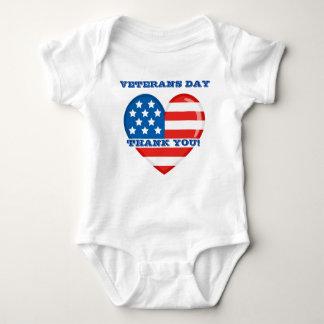 Mono del jersey del bebé del día de veteranos