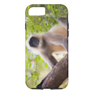 Mono en la selva del parque nacional de funda iPhone 7