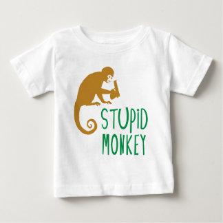 Mono estúpido camiseta de bebé