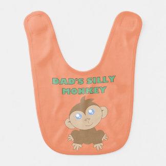Mono tonto - babero del bebé