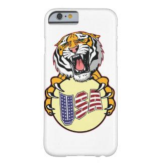 Monograma americano 6/6s del tigre más el iPhone Funda Barely There iPhone 6