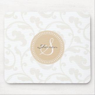 Monograma beige femenino elegante del estampado de alfombrilla de ratón