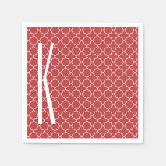 Monograma blanco en el modelo rojo retro de servilleta desechable