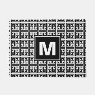 Monograma blanco y negro de moda del modelo
