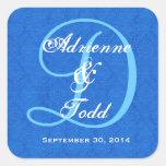 Monograma D323 del boda del damasco del azul de Calcomanías Cuadradass
