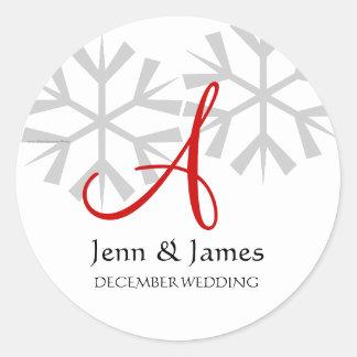 Monograma de la invitación del boda del invierno pegatina redonda