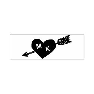 Monograma del personalizado del corazón y de la sello automático