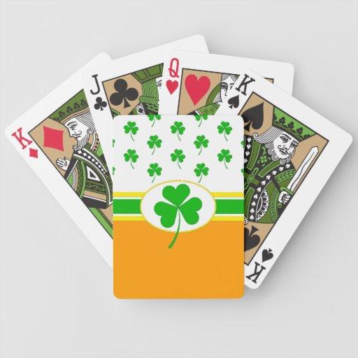 Monograma del trébol baraja cartas de poker