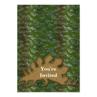 Monograma del verde y de la piel del dinosaurio de invitación 12,7 x 17,8 cm
