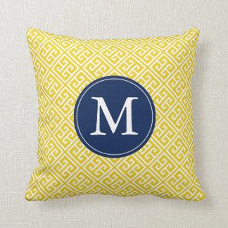 Monograma griego azul amarillo limón del modelo cojín decorativo