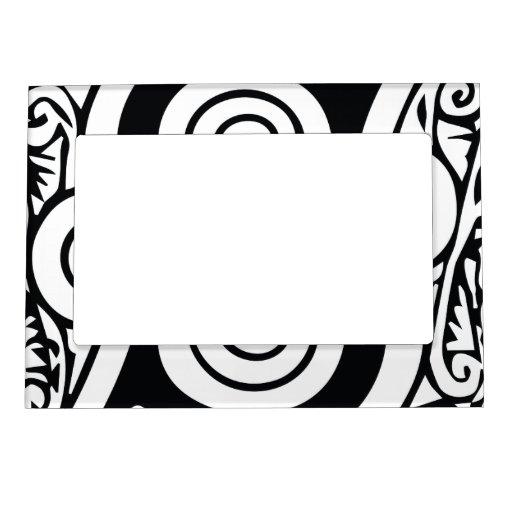 Monograma medieval blanco y negro elegante S Foto De Imanes