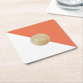 Monograma moderno minimalista anaranjado del boda posavaso cuadrado de cartón