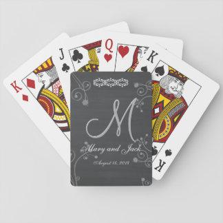 Monograma negro rústico de la pizarra 3d de la barajas de cartas