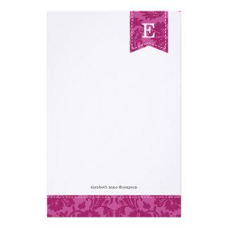 Monograma púrpura del personalizado del damasco de papelería