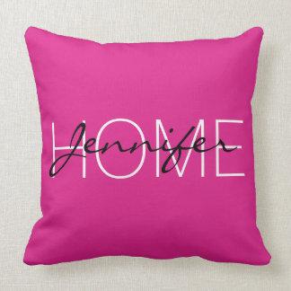 Monograma rosado del hogar del color de Barbie Almohada