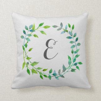 Monograma verde de la guirnalda el | de la hoja de cojín decorativo