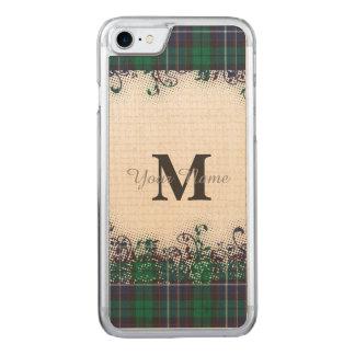 Monograma verde de la tela escocesa de tartán funda para iPhone 7 de carved