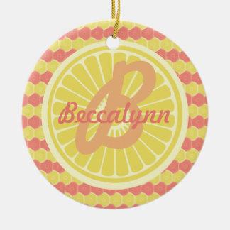 Monograma y nombre con sabor a fruta de la fruta adorno redondo de cerámica
