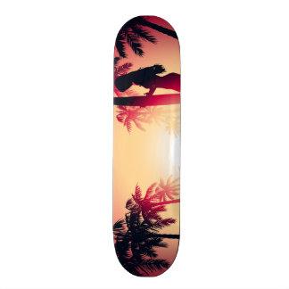 Monopatín 20 Cm Chica que practica surf en la salida del sol