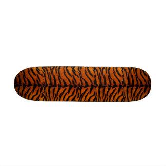 Monopatín de la piel del tigre