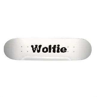 Monopatín de Wolfie