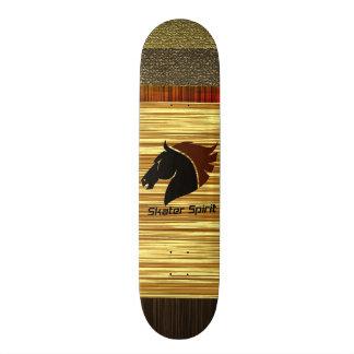 Monopatín personalizado con modelo de madera