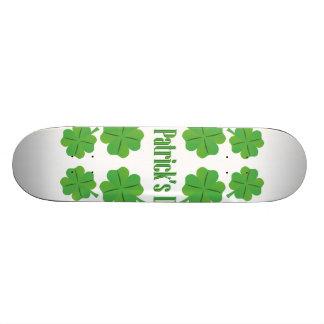 Monopatín Personalizado El día de St Patrick con el trébol
