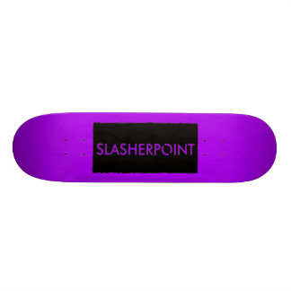 Monopatín púrpura brillante de la marca de