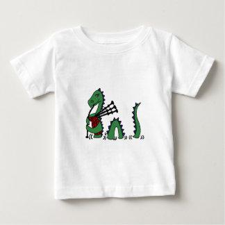Monstruo divertido de Loch Ness que toca las Camiseta De Bebé