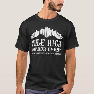 Montaña de libros - la camiseta de los hombres de