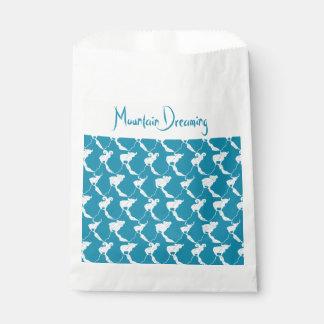 Montaña que soña favores del boda en trullo bolsa de papel