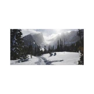 Montaña rocosa alta impresión en lienzo