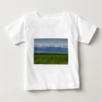 Montaña rocosa que cultiva la visión camiseta de bebé