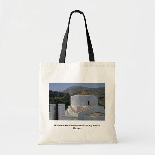 Montaña y edificio blanqueado, Lindos, Rodas, Bolsas