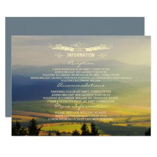 Montañas de la tarde de la puesta del sol que invitación 11,4 x 15,8 cm