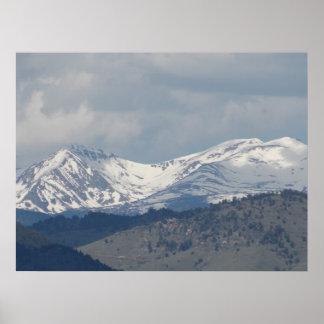 Montañas majestuosas póster
