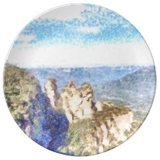 Montañas rugosas y hermosas plato de porcelana