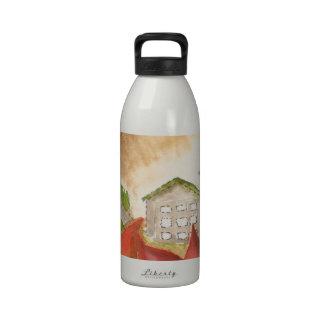 Montañas y flores botella de agua