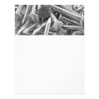 Montón de los clavos de la carpintería folleto 21,6 x 28 cm