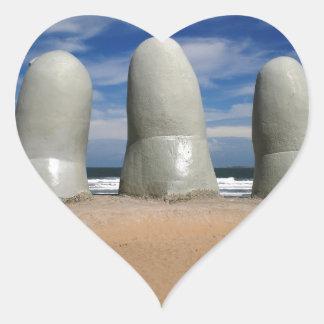 Monumento de los dedos pegatina en forma de corazón