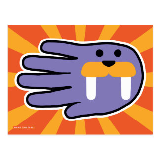 Morsa púrpura formada mano postal