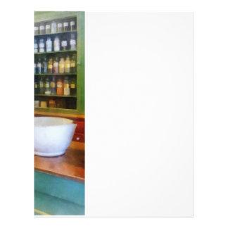 Mortero y maja en farmacia folleto 21,6 x 28 cm