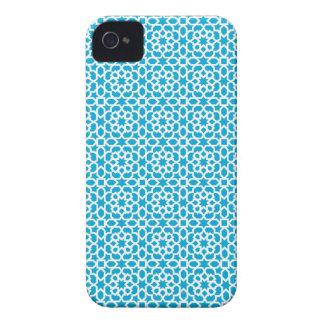 Mosaico geométrico de azulejo marroquí en azul iPhone 4 Case-Mate protectores